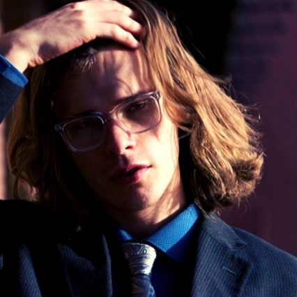 メガネが似合う20代男性俳優といえば?