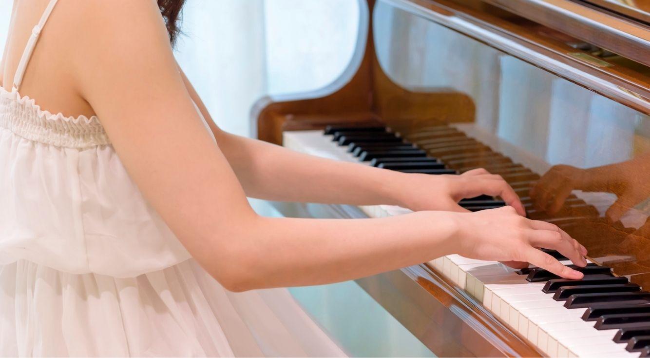 ピアノが似合う女性歌手と言えば?