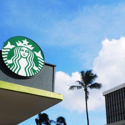 スターバックス コーヒー(スタバ)で1番おいしいスイーツは?
