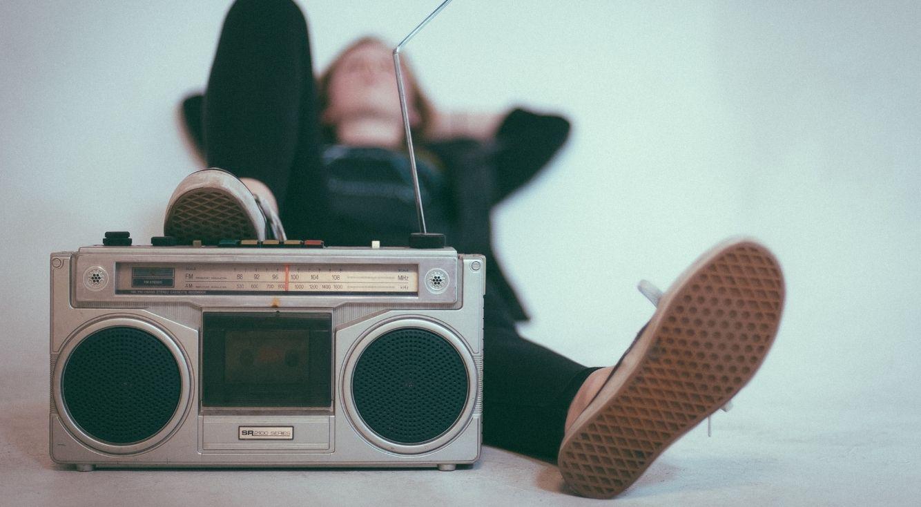 お笑い芸人がパーソナリティを務めるラジオ番組で1番好きなのは?